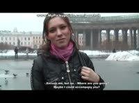 Русскую девушку из Питера быстро уговорили на минет