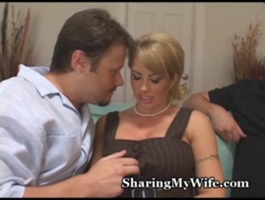 муж подложил жену под чужими мужиками