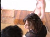 Француженка дала и мужу и сантехнику одновременно