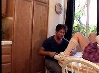 Меган не постеснялась раздвинуть ноги перед соседом