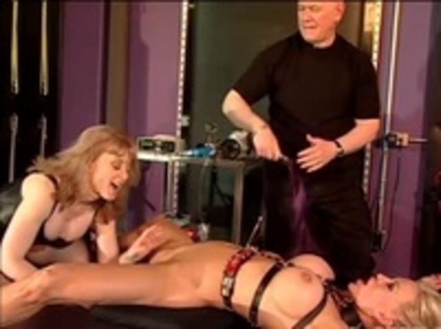порно издевательство над рабами