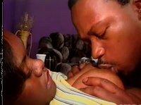 Немногословная негритянка дала своему мужику
