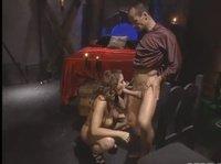 Романтический секс в прекрасной загадочной атмосфере