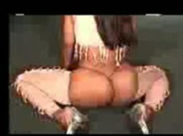Огромная Танцующая Попка Порно Видео
