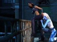 Дамочки спрятались на ступеньках между домов