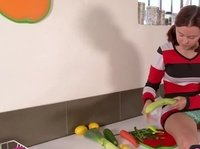 Мелани не зря сбегала в овощной магазин