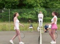Веселая игра в большой теннис