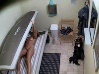 Подглядывание за блондинкой в солярии(скрытая камера)