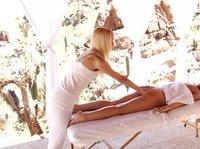 Для белокурых молодок массаж был только предлогом