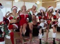 Три ебливые тёлочки поздравляют с Рождеством