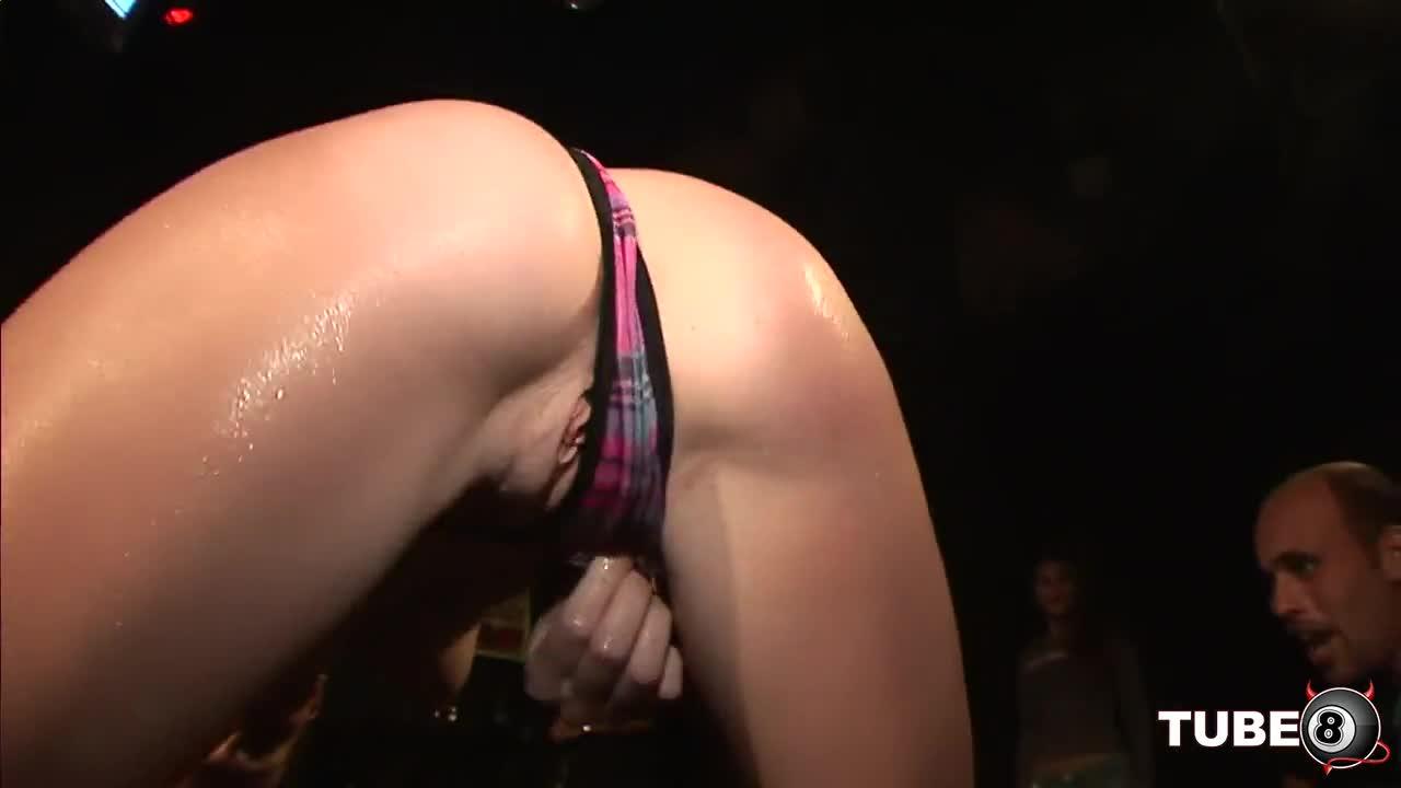Порно онлайн видео стриптиз