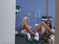 Медбрата наказали за подглядывание в гинекологии
