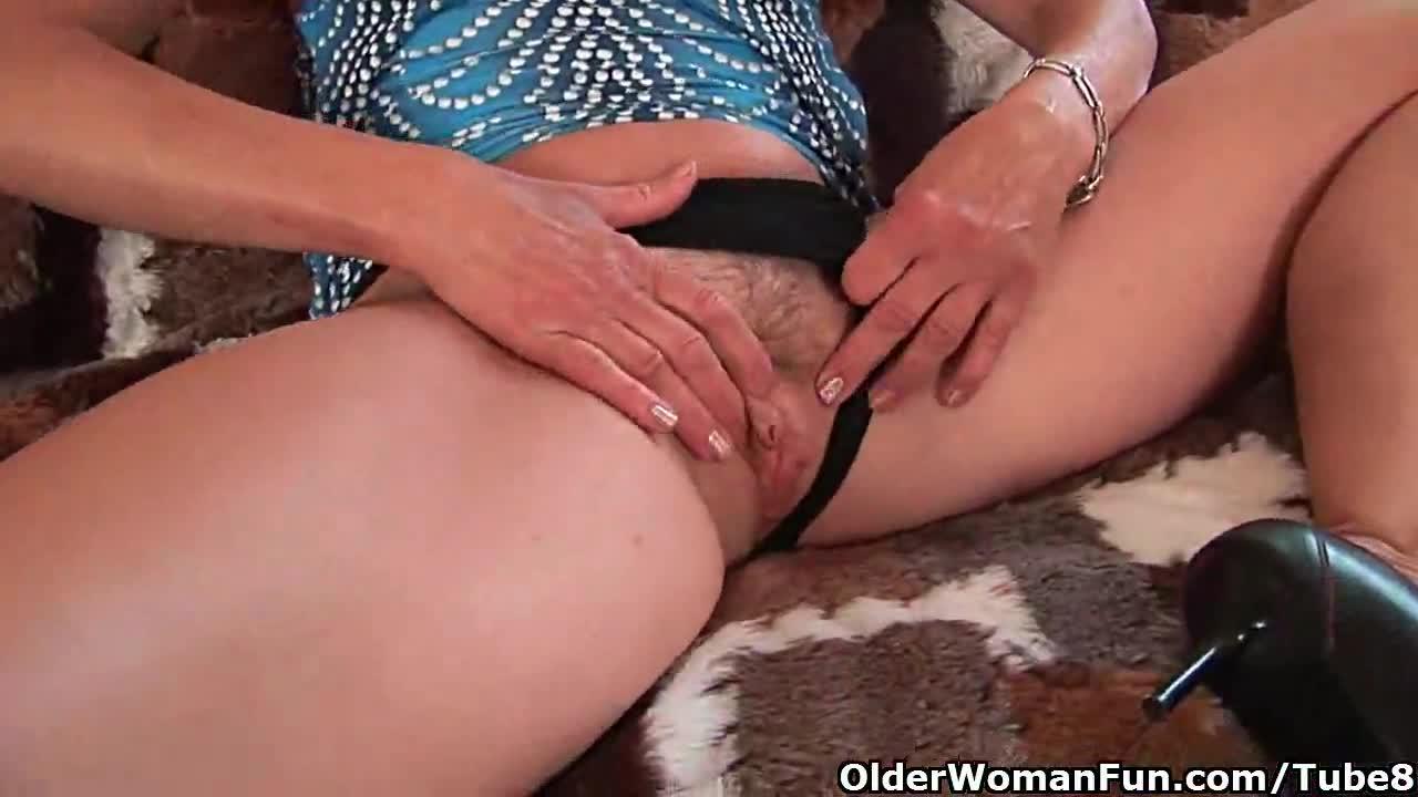 seks-video-burno-konchaet