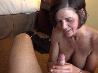 Женщина под пятьдесят снялась в порнушке от первого лица