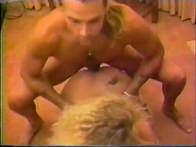 pozdno-vecherom-seks-video