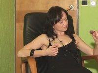Пятна спермы на черном платье у жены из члена мужа