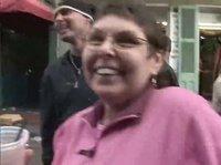 Безумство веселух бабёх на улицах во время Марди Гра