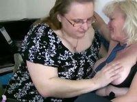 Как проводят время толстые возрастные лесбиянки