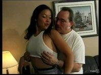 Домработница выполняет обязанности любовницы