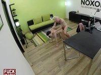 Выебал секретаршу в офисе