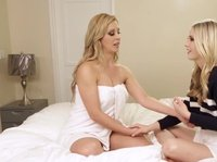 Женщина научила лесбияночку анальному удовольствию