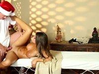 Самый приятный массаж от санты