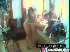 Скрытая камера засняла шалости лесбиянок