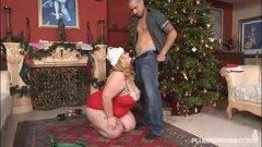 Мисс Санта трахнула своего любимого муженька