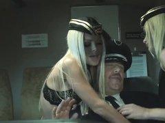 Подборка секса в самолетах с развращенными стюардессами