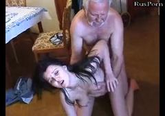 porno-gruppovuha-pensioneri-dominirovanie-ochen-zhirnoy-babi-nad-muzhikom